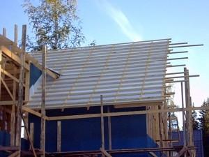tuulutusliist ning katusekatte roovitis